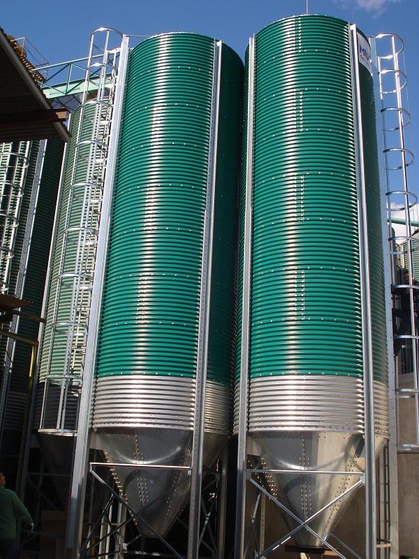 Foto de Silos para almacenamiento de harinas