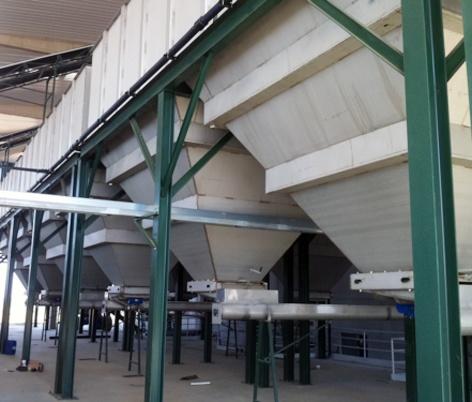 Foto de Tolvas para almacenamiento de aceitunas