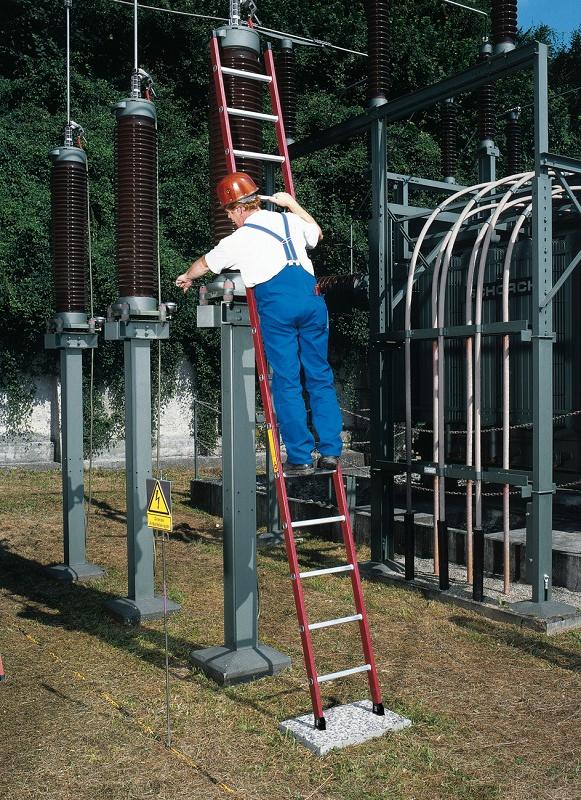 Foto de Escalera de apoyo de fibra de vidrio
