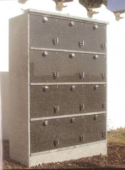 Foto de Columbarios de 12 cinerarios cada uno