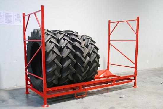 Foto de Palets metálicos para neumáticos