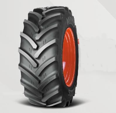 Foto de Neumáticos de tractor ancho