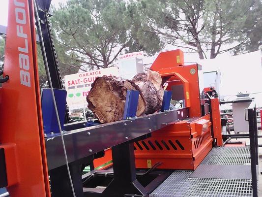 Foto de Cortadoras rajadoras de troncos