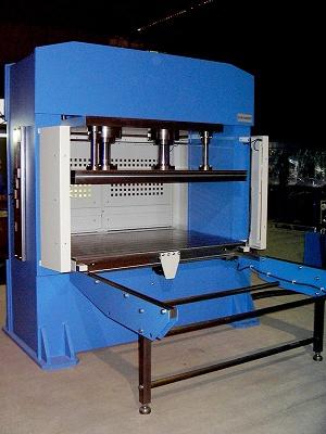 Foto de Prensas hidráulicas motorizadas de doble montante con bancada fija