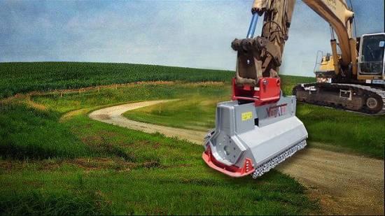 Foto de Trituradora forestal hidráulica con martillos fijos con punta de vidia