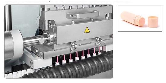 Foto de Monobloc automático para el tratamiento de bálsamos labiales