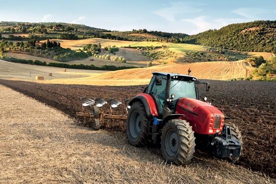 Foto de Tractores a campo abierto