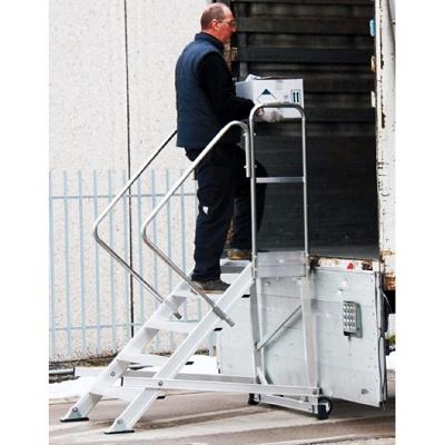 Foto de Escalera con plataforma