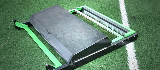 Foto de Limpiadoras barredoras para campos de césped artificial (de arrastre)