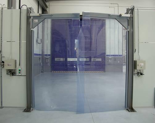 Foto de Puertas batientes flexibles de PVC