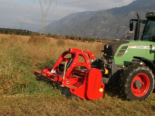 Foto de Trituradora de martillos con desplazamiento hidráulico