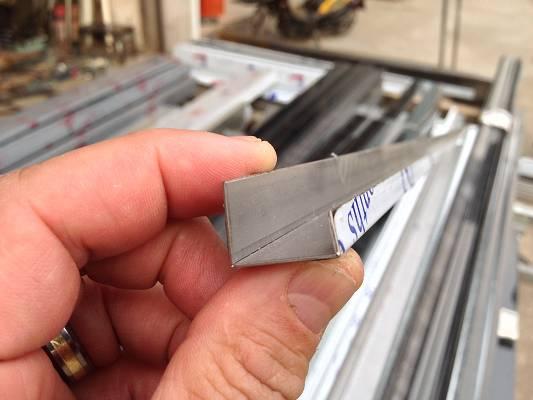 Foto de Máquina fresadora de V-Cut con CNC