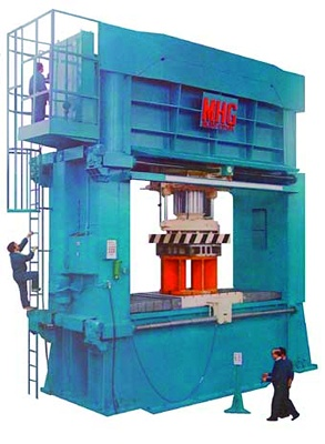 Foto de Máquinas de doblado y enderezado
