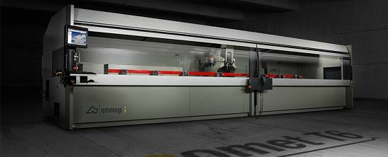 Foto de Centro de mecanizado CNC de 4 ejes