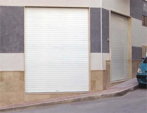 Foto de Puerta de seguridad de aluminio extrusionado
