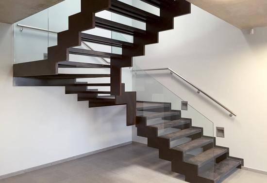 Escaleras met l liques grabalosa materiales para la for Materiales para escaleras