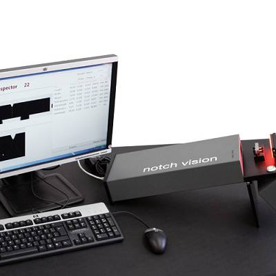 Foto de Equipo de medición para probetas entalladas