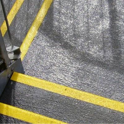 Foto de Cubierta antideslizante para rellanos de abrasivo grueso