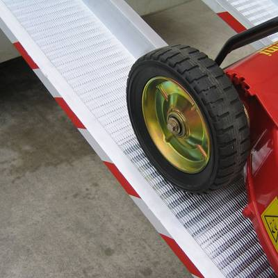 Foto de Rampas de carga para ruedas estrechas