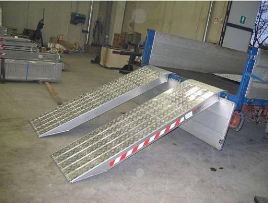 Foto de Rampas de carga de vehículos muy pesados con superficie antideslizante