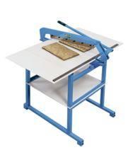 Foto de Máquina de corte de muestrario de tela