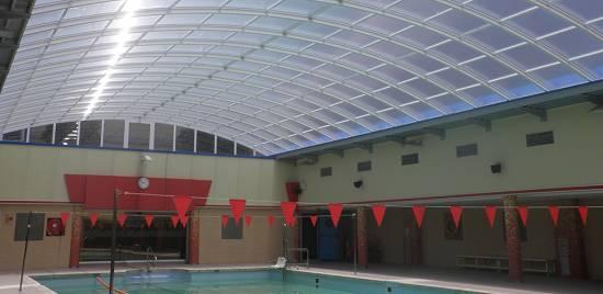 Techos m viles para piscinas piscinas spas y saunas for Techos para albercas