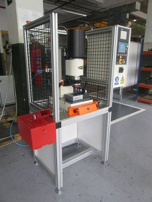 Foto de Máquinas para procesar remaches tipo pin-ball