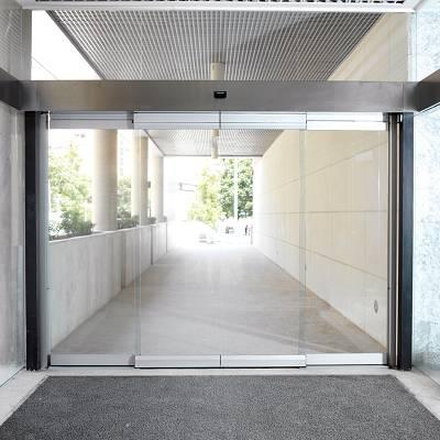 Foto de Puertas correderas con sistema antipánico