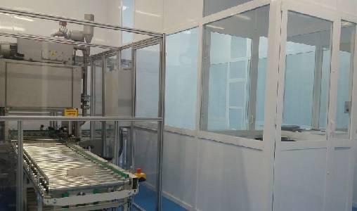 Foto de Limpieza técnica de partículas por ultrasonidos en sala aislada alta gama