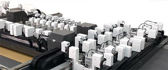 Foto de Máquinas de corte totalmente automatizadas