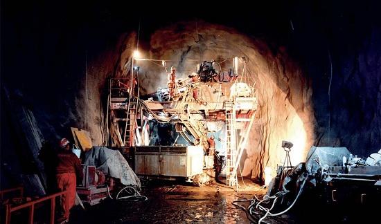 Foto de Columna de perforación para túneles
