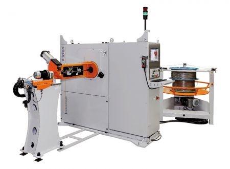 Foto de Máquina dobladora CNC