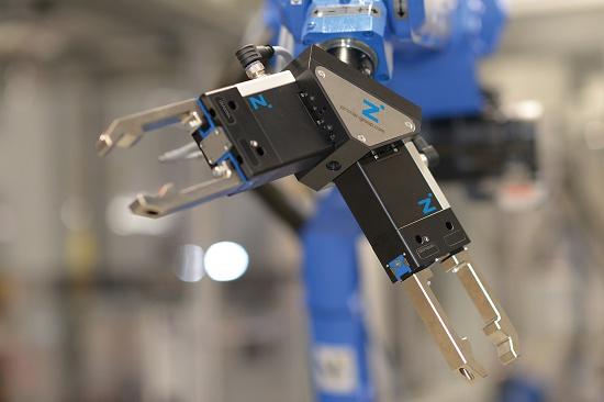 Foto de Pinzas eléctricas para carga y descarga
