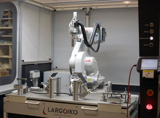 Foto de Robots para soldadura por ultrasonidos