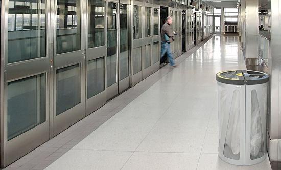 Foto de Papeleras de reciclaje
