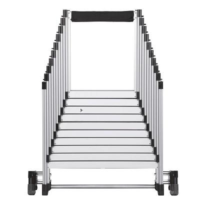Foto de Escalera de aluminio plegable