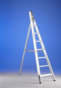 Escalera de tijera de forma convergente svelt agrilujo for Escaleras de aluminio usadas