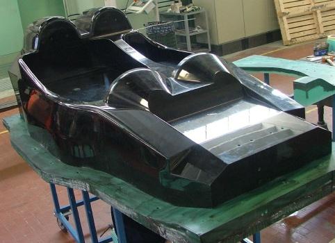 """Foto de """"Adhesivos en los coches de carrera de Pescarolo para Le Mans"""""""