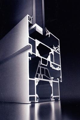 Foto de Ventanas de aluminio con una profundidad de 65 mm