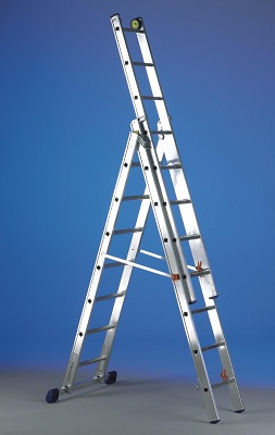 Foto de Escalera transformable en aluminio extrusionado y nervado