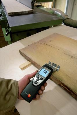 Foto de Instrumento de medición y sonda de humedad en materiales
