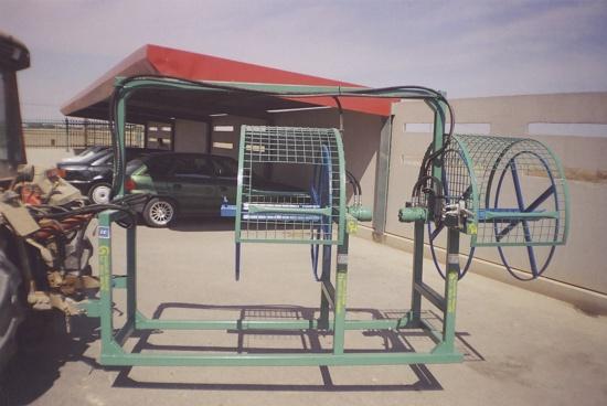 Foto de Recogedores de mangueras o goteros hidráulicos para tractor