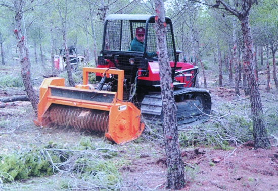 Foto de Trituradora forestal basculante