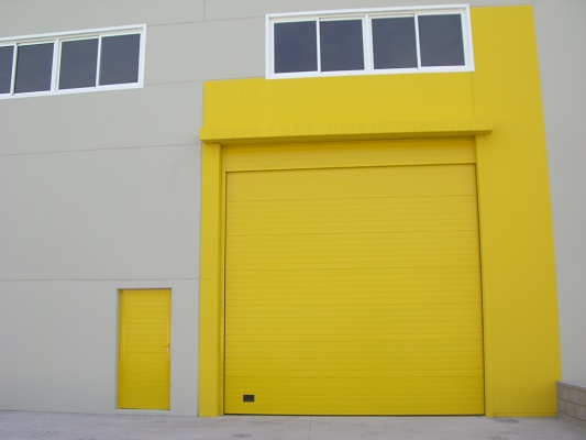 Fotografia de Porta fabricada amb panells tipus sandwich