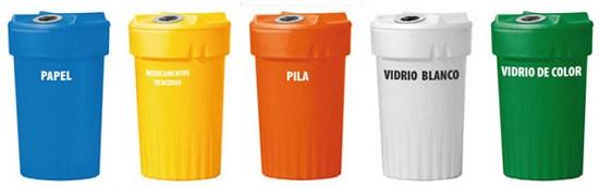 Foto de Contenedores plásticos para recogida selectiva
