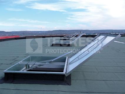 Claraboyas fijas y motorizadas componentes mec nicos - Claraboyas para tejados ...