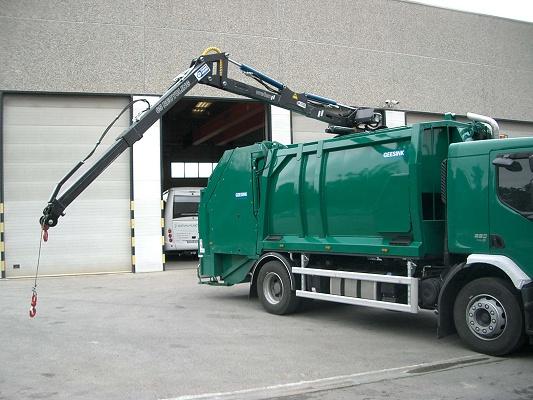 Foto de Grúas sobre compactador