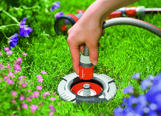 Toma de agua y conector stop articulado pipeline profi for Accesorios de jardin
