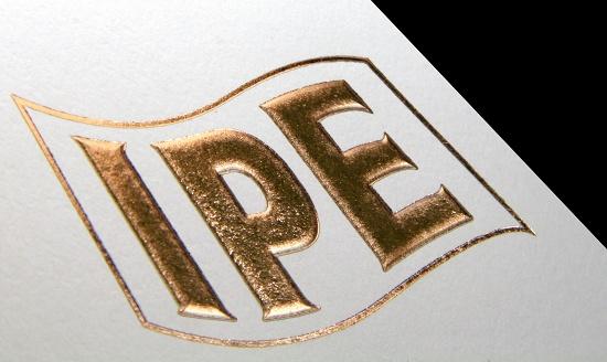Foto de Etiquetas con stamping y alto relieve