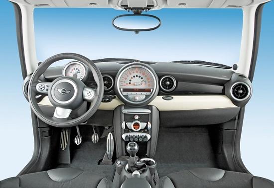 Foto de Máquinas y tecnología para la Industria automotriz